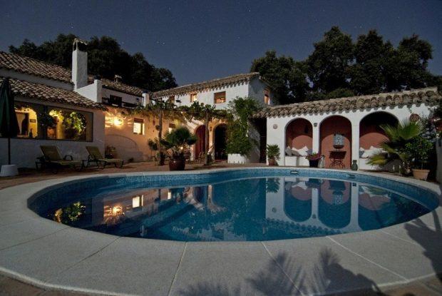 pisciniste dans l'Oise piscine maison nuit
