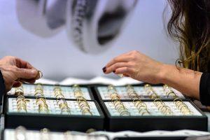 Acheter ses bijoux en ligne ou après d'une bijouterie
